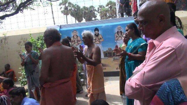 Thiruchendur Annadanam அன்னதானம் Moovar Samadhu